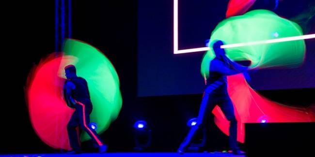 Eine Lasershow in grün und rot begeistert das Publikum.