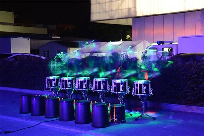 Die leuchtenden Trommeln erzielen einen großen Effekt.