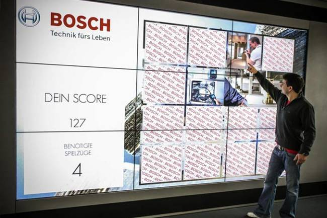 Interaktive Touch-Wall mit Memory-Game fuer Messe und Event